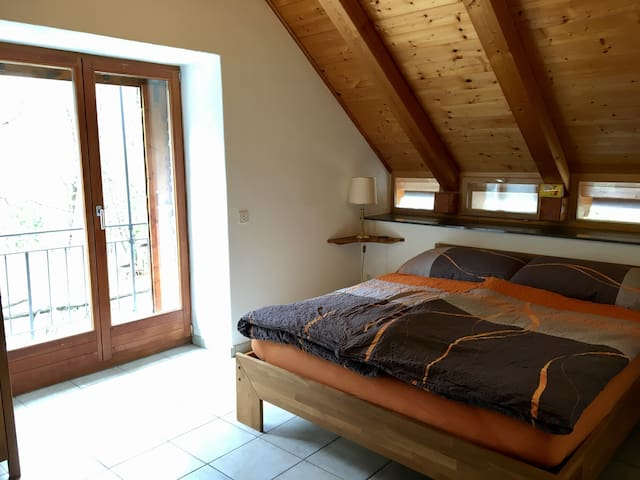 Tipico rustico in sasso Casa Castagna