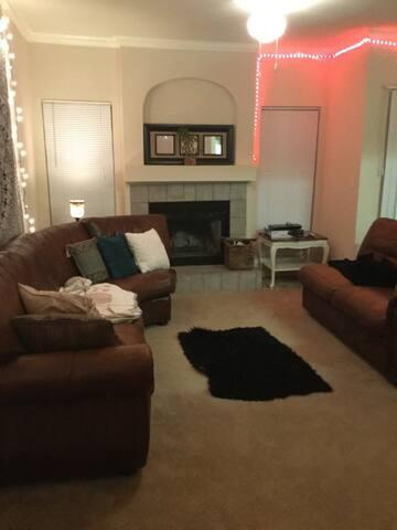 2 Bedroom Apartment Close to Zilker Park