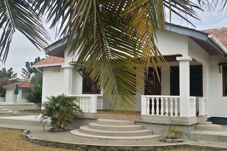 PR Beach Villa - Prampram