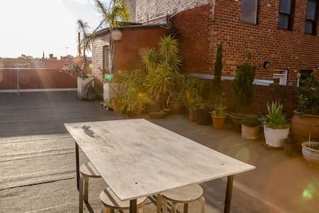 Rooftop Apartment - Northcote - Apartment