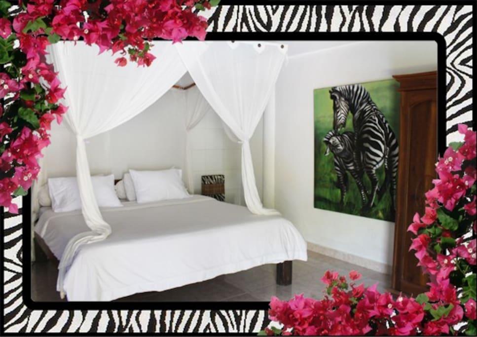Zebra Bedroom downstairs Queen Bed