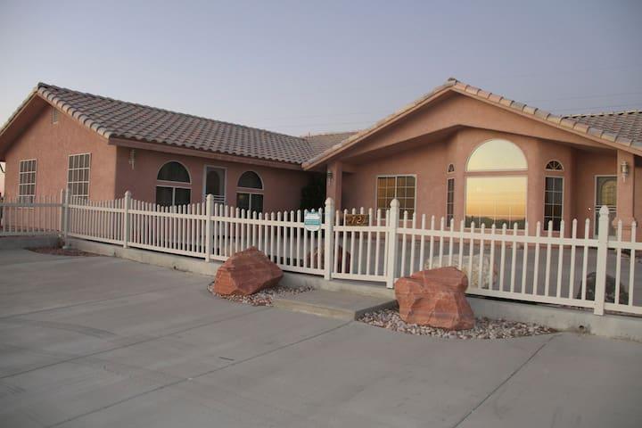 Beautiful Pahrump Home Available! - Pahrump - Casa
