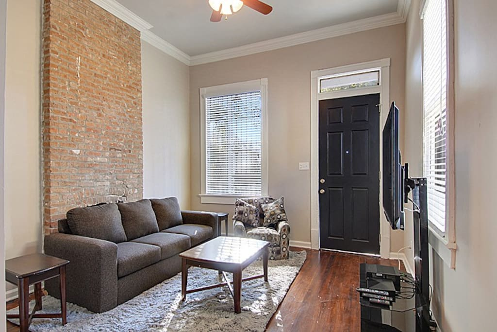 """Comfortable Living Room w/ 60"""" Sony HD TV - Cable, HBO, Netflix & Wi-Fi Included :)"""