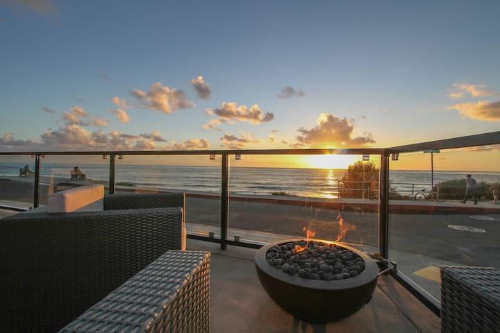 Oceanfront Ultra Luxury Condo