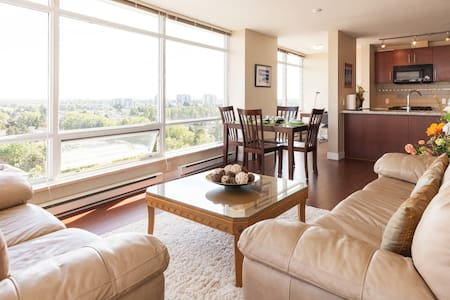 Spacious apartment with view - Richmond - Apartment