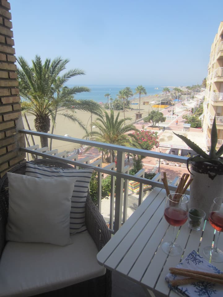 Directly on The Beach in Estepona Centre!!!