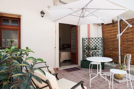 B&B MELIBLEO Terrazza sugli Iblei - Melilli - Bed & Breakfast