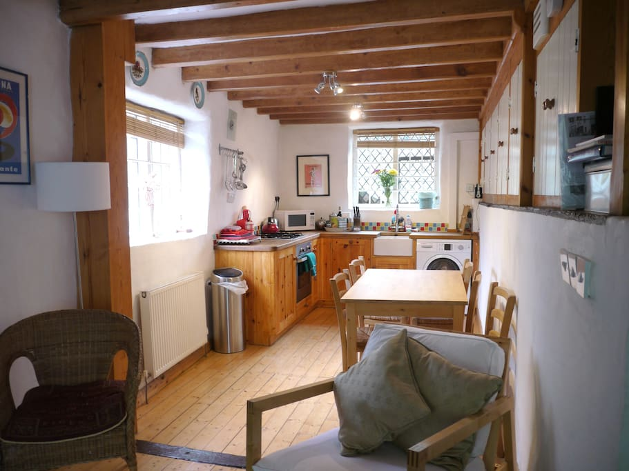 View towards kitchen and dining area
