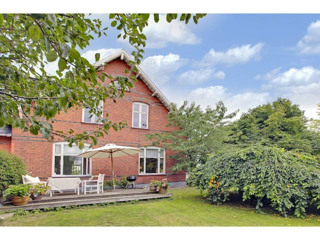 Spacious apartment - close to city and beach - Hellerup - Apartment