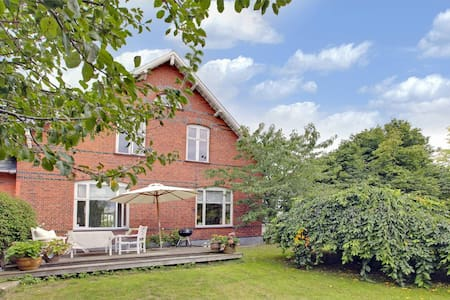 Spacious apartment - close to city - Hellerup