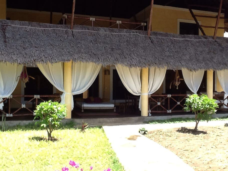 The front of the villa.