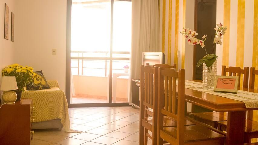 Apartamento a 1 quadra do mar, até 4 pessoas