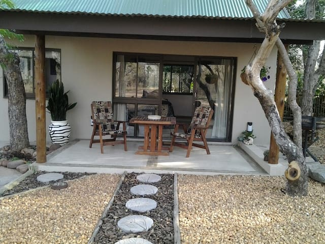 baBUSHka Self Catering Cottage & Kruger Safaris - Hoedspruit - Casa