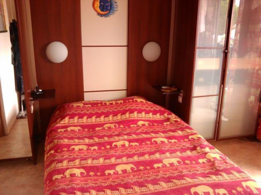 location t2 marseille 13009 appartements louer marseille provence alpes c te d 39 azur france. Black Bedroom Furniture Sets. Home Design Ideas