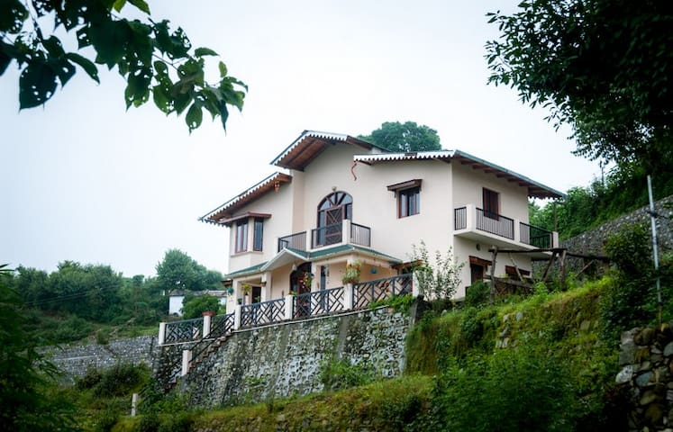 Firdaus, Naukuchiatal - Lake view