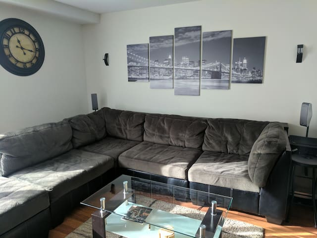 Great Place to Stay right off 39th St in Midtown - Kansas City - Apartament