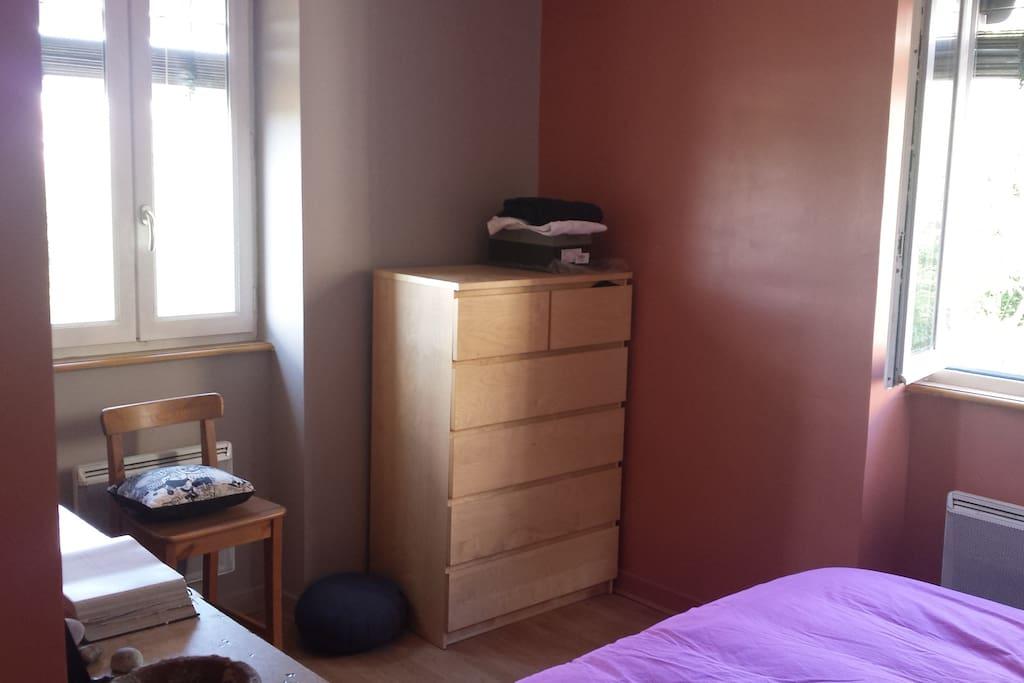 chambre séparée comprenant un lit double