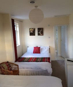 Number 19 Guesthouse - Room 1 - Dalton-in-Furness