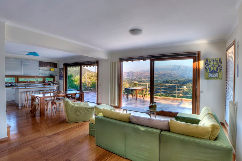 Lounge living room  and kitchen with great view!