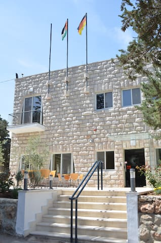 Talitha Kumi Guest House - Bayt Jala - Bed & Breakfast