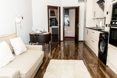 PADDINGTON LUXURY Apartment-B