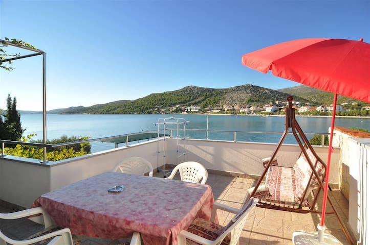 Vacation house on the beach