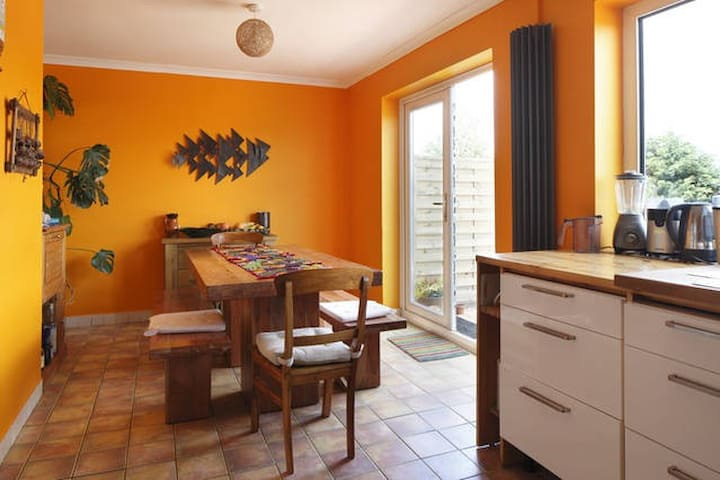 Welcoming Family Home in Brighton 2 - Brighton - Huis