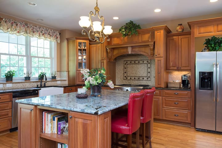 Spacious kitchen island.