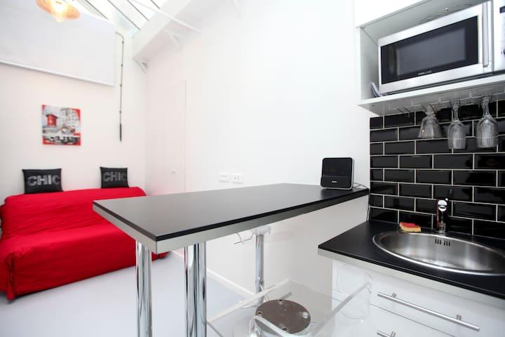 Small Marais studio