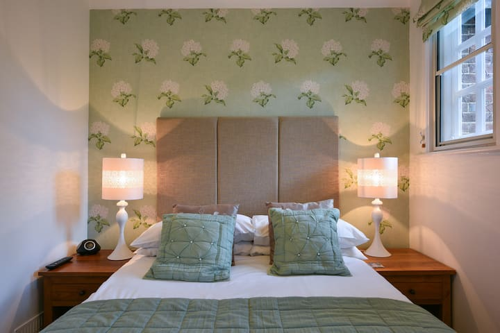 Maytham Cottage (Pretty Double Room)