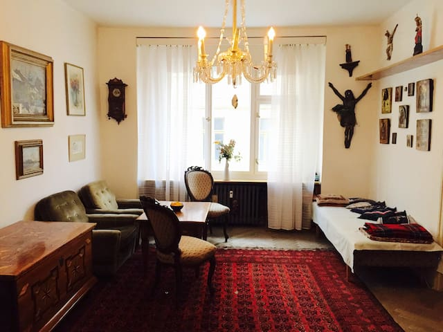 ***Charming home with atmosphere*** - Praga - Apartamento