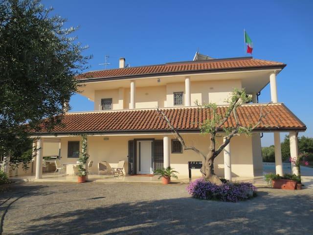 Apartment with pool, Valle d'Itria - Noci - Leilighet