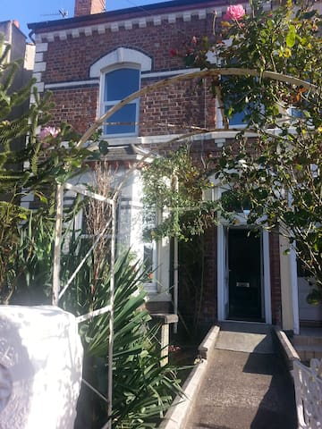 Beautiful 5 bedroom house on coast - Liverpool - Casa