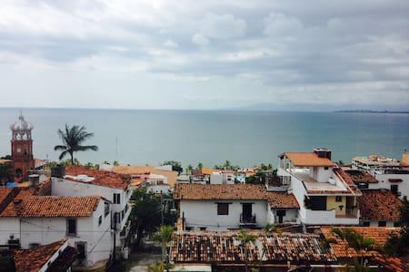 Roger's Bed and Breakfast - Puerto Vallarta - Bed & Breakfast