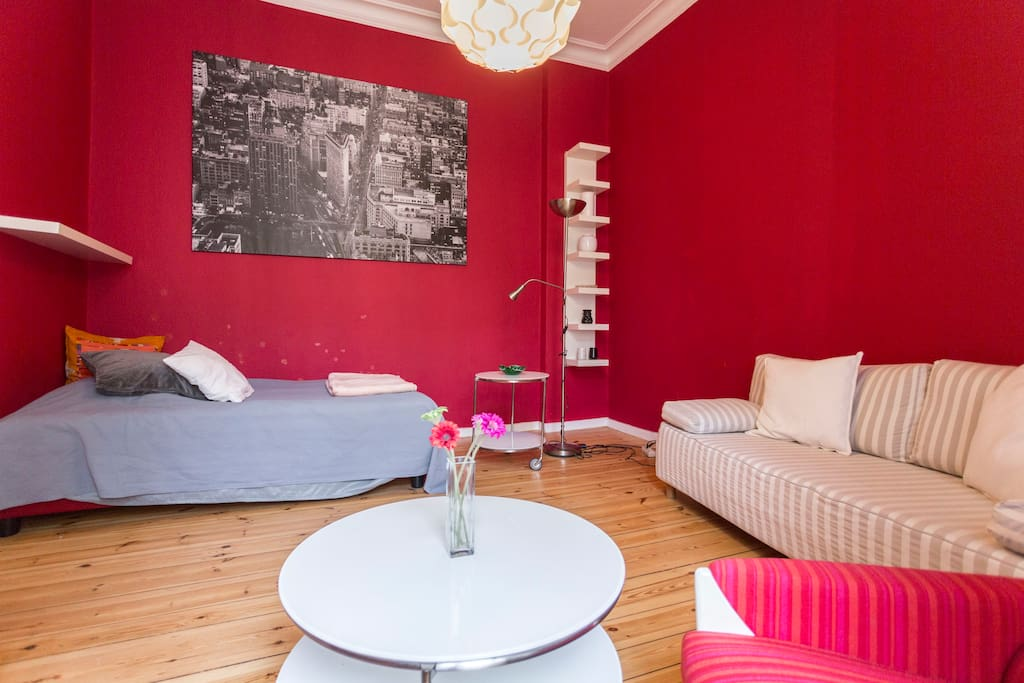 Salon, Bed & Sofa