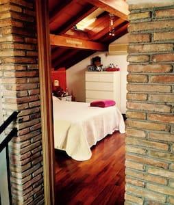 Centralissima mansarda con terrazza - San Remo - Appartement