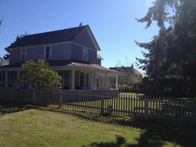 Historic Oysterville BayView home - Oysterville - Rumah