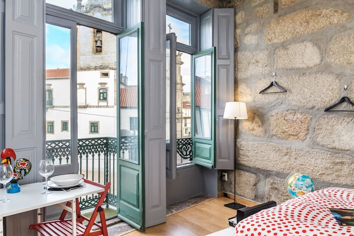 Basic Studio With Top Location and Views . Carmo 1