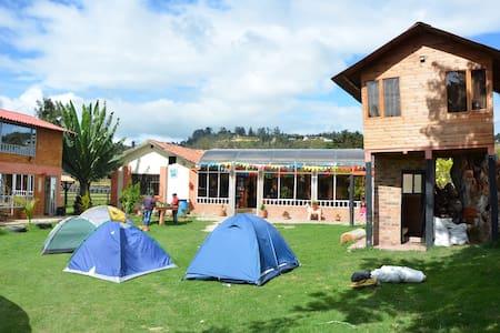 Habitacion para 8 o 12 en Suesca - Suesca - Bed & Breakfast