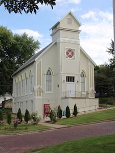 1873 Project Art Church - Malvern