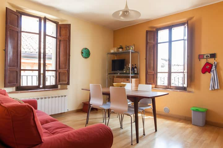 Medieval TOP flat, 3rd floor with WiFi & Aircon