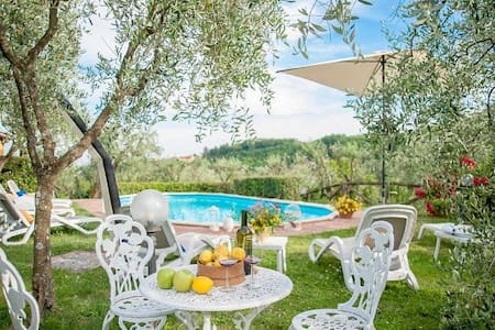Rustic & Pool  Casale Valentina - Lucca