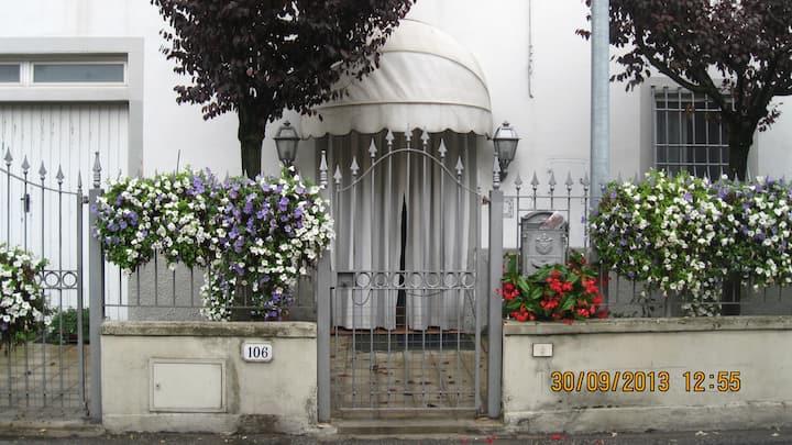Grazioso appartamento vicino alle mura di Lucca