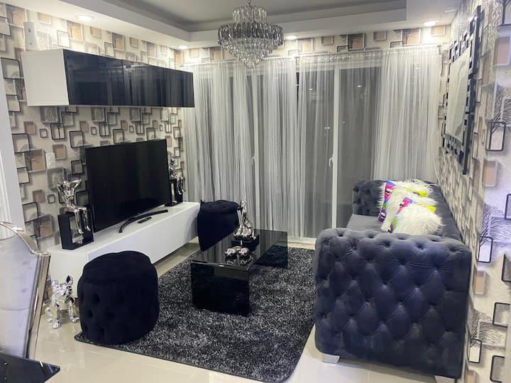 Apartamento de Lujo c/ Piscina cerca al aeropuerto