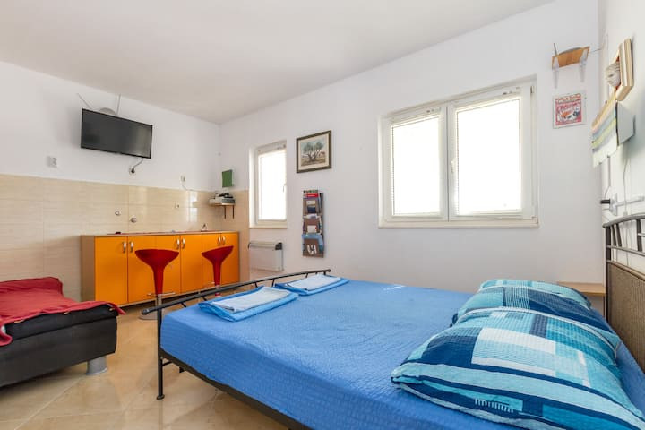 "Hostel Oktarin - Double room ""Hvar"""