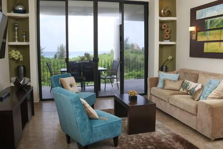 Amazing condo with beautiful views!