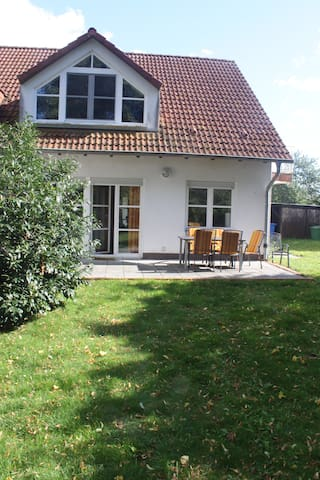 Ferienhaus 125m²  Rügen f. 2-8 Personen - Garz/Rügen - Hus
