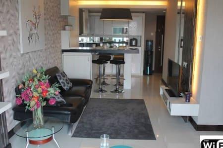 Beautiful Apartment in Bandung Java - Bandung - Pis