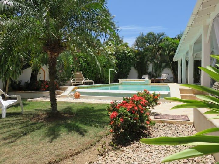 VILLA individual / Pool Jacuzzi /150M Beach center