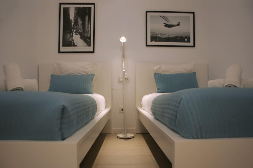 comfortable apartment in the gothic wohnungen zur miete. Black Bedroom Furniture Sets. Home Design Ideas